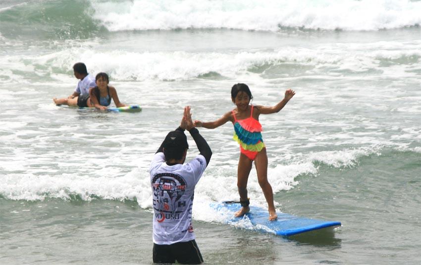 初めてのサーフィン